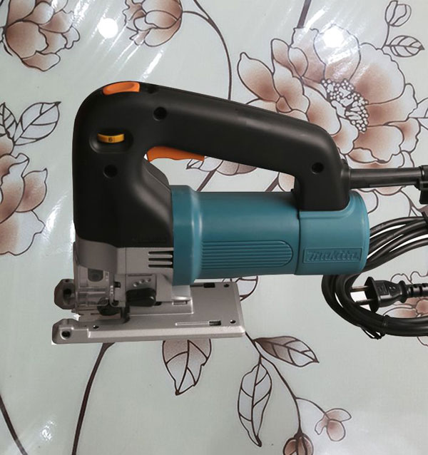 may-cua-long-makita-4304