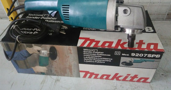 may-cha-nham-makita-9207spb