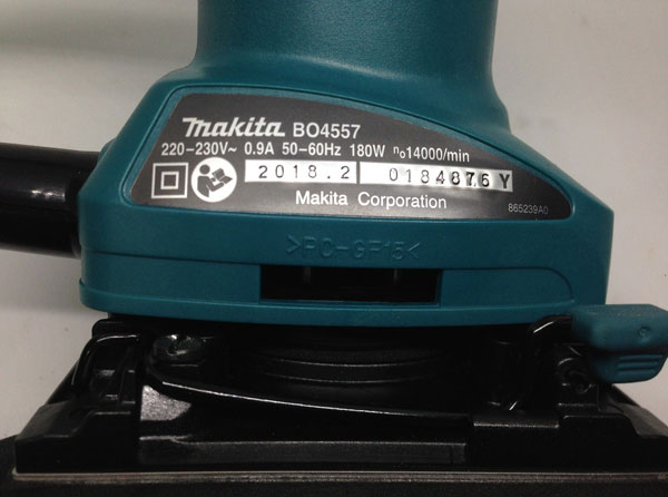 may-cha-nham-makita-bo4557